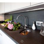 granitowy blat w kuchni
